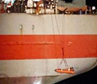 Kustwacht haalt gewond bemanningslid vrachtschip van boord