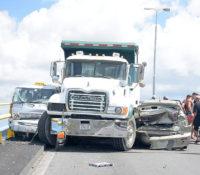 Langdurende verkeersopstopping door ongeluk op Julianabrug