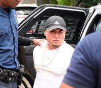 Politie neemt bij arrestaties twee Glock-pistolen in beslag
