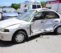 Ernstig ongeluk op Rooseveltweg: drie gewonden