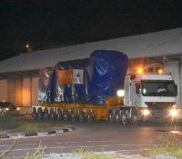 Eerste nieuwe generator overgebracht naar centrale aan de Dokweg