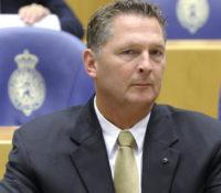 Bosman wil Statuutswijziging: alle eilanden kunnen zelfstandig uit het Koninkrijk stappen