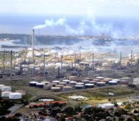 Refineria di Korsou onderhandelt met een potentiële toekomstige partner