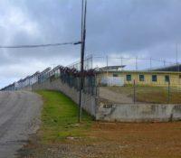 Tweede Kamer wil druk uitoefenen op Curacao voor situatie barakken